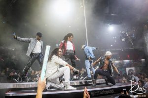 michael jackson impersonator in las vegas performs beat it